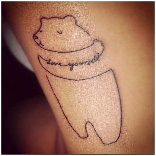 тату медведя с надписью