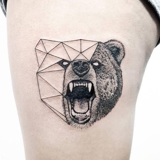 тату медведя в геометрическом стиле