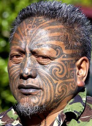 племенная татуировка на лице