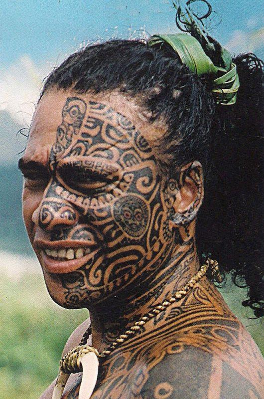 традиционная татуировка на лице