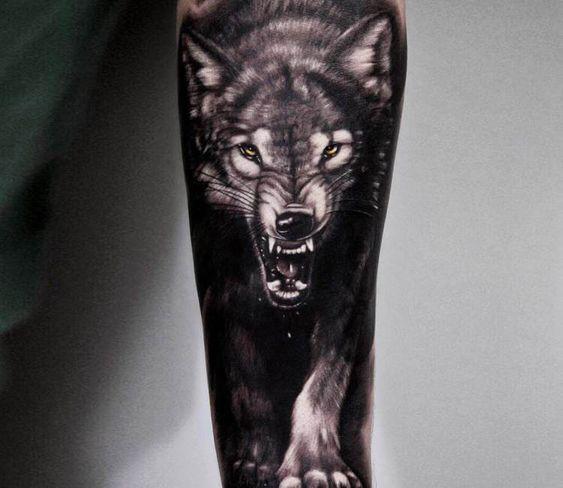 татуювання чорного вовка
