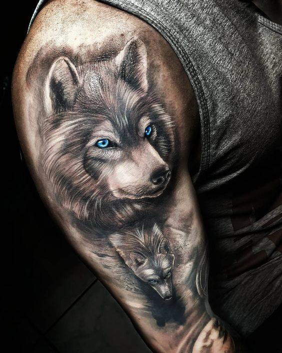 тату вовка з блакитними очима