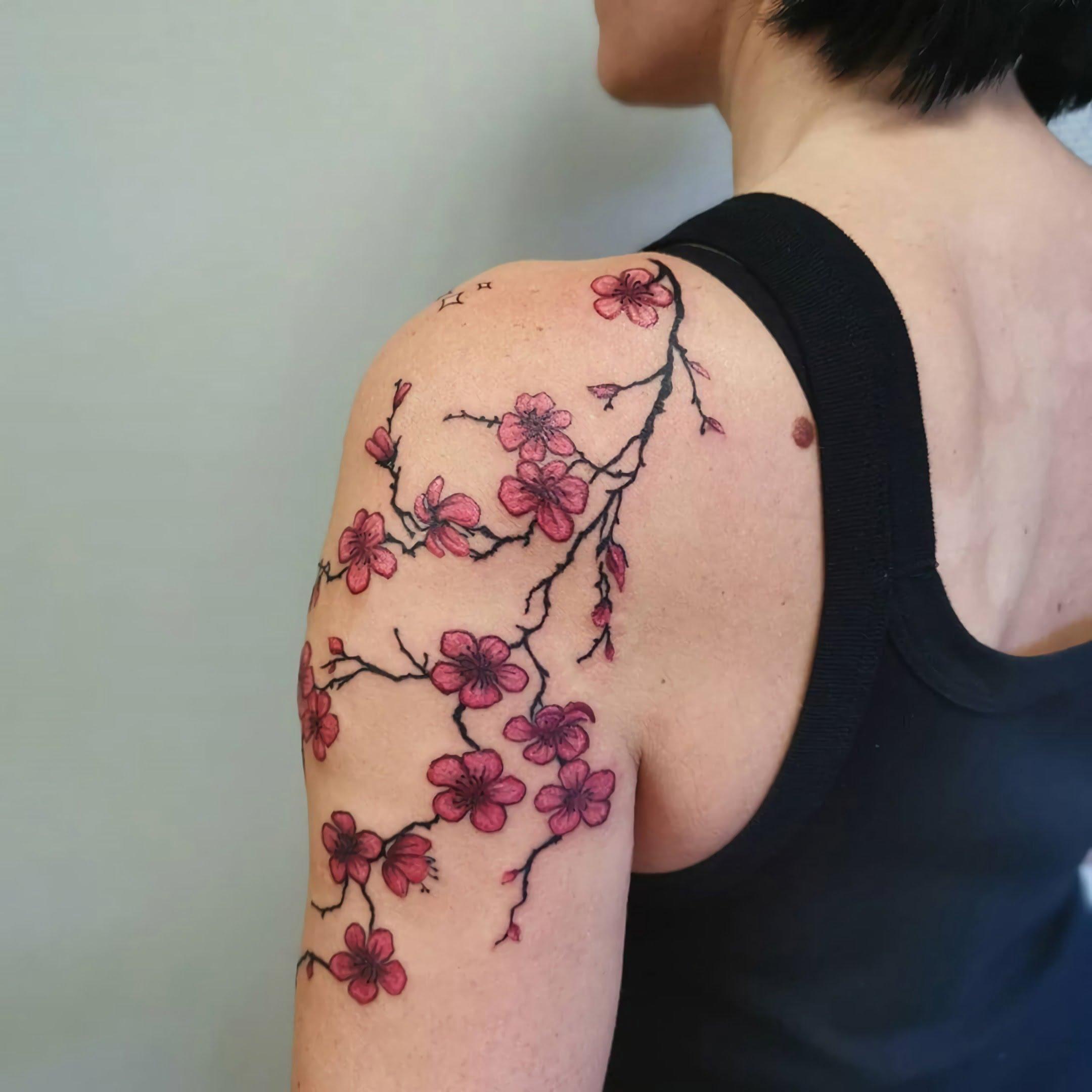 цветочная татуировка в японском стиле