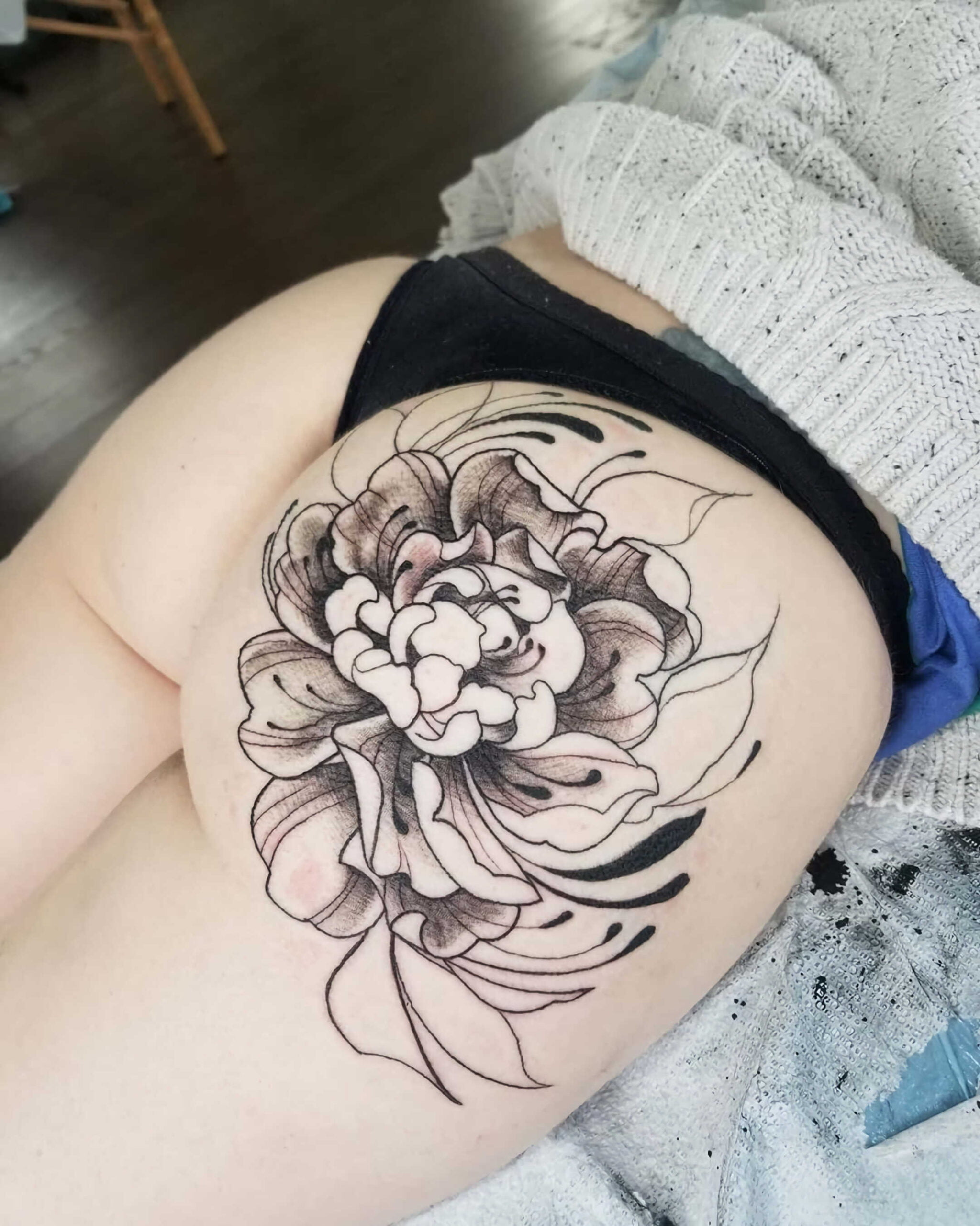 татуировка на ягодицах