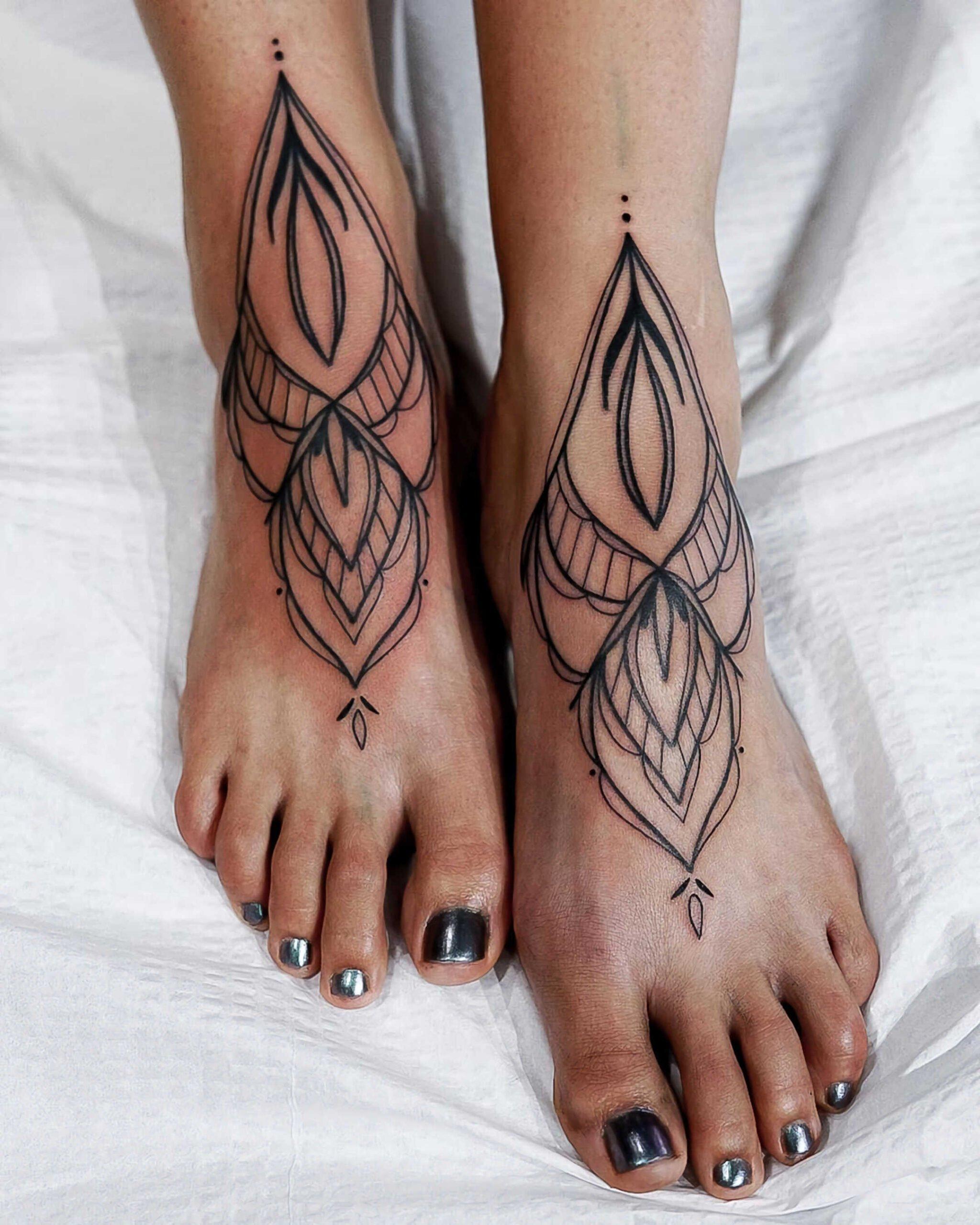 татуировка на ногах