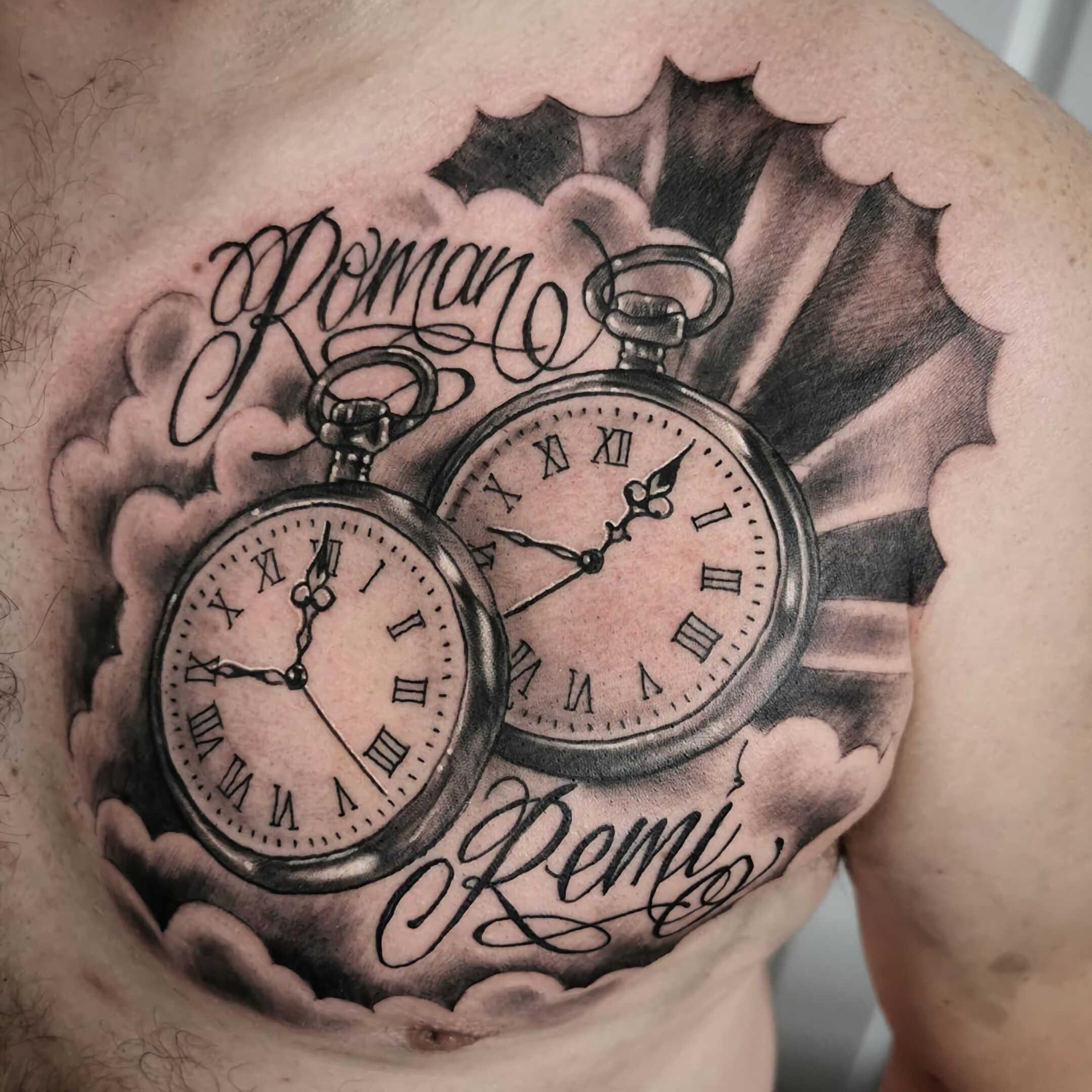 татуировка часов в стиле чикано на груди