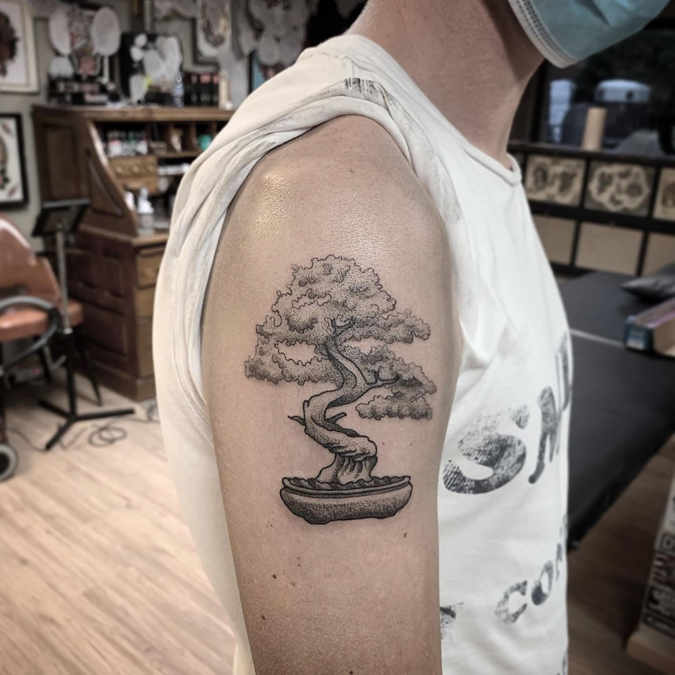 Татуировка бонсай