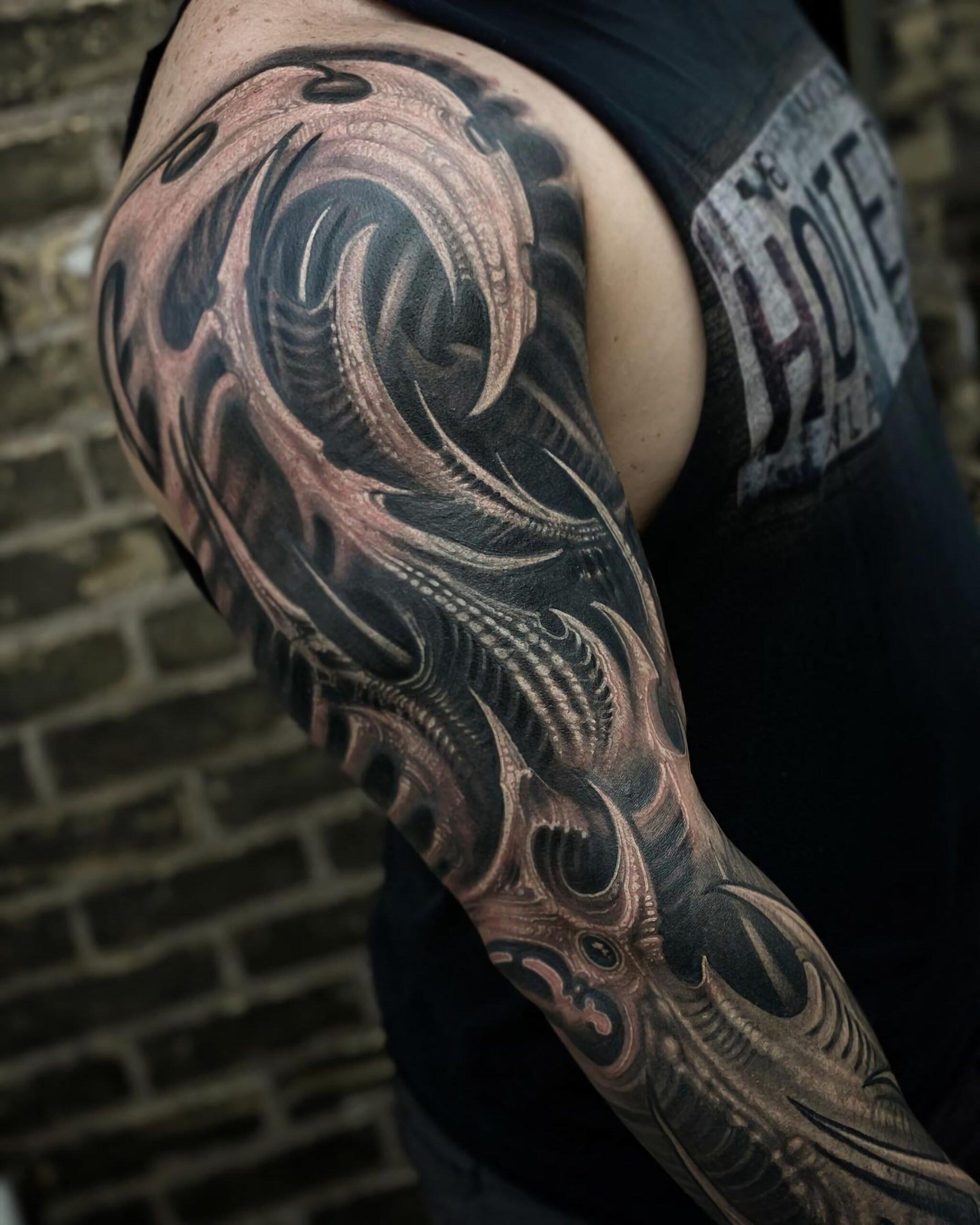 Стиль татуировки биоорганика