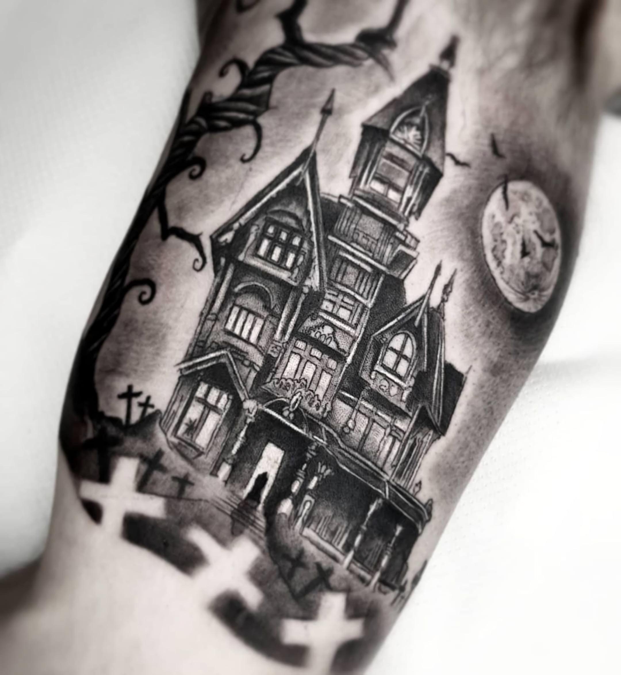 Татуировки в черно-белом стиле