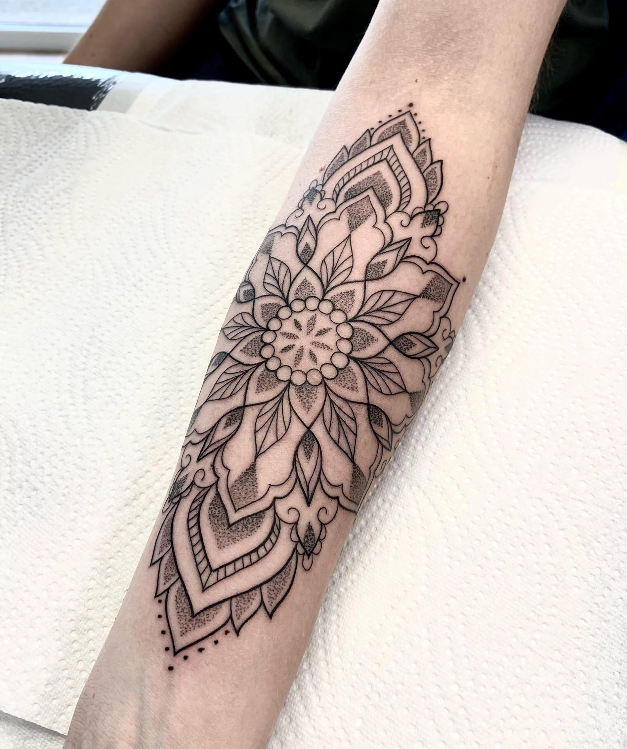Татуировки в стиле Дотворк