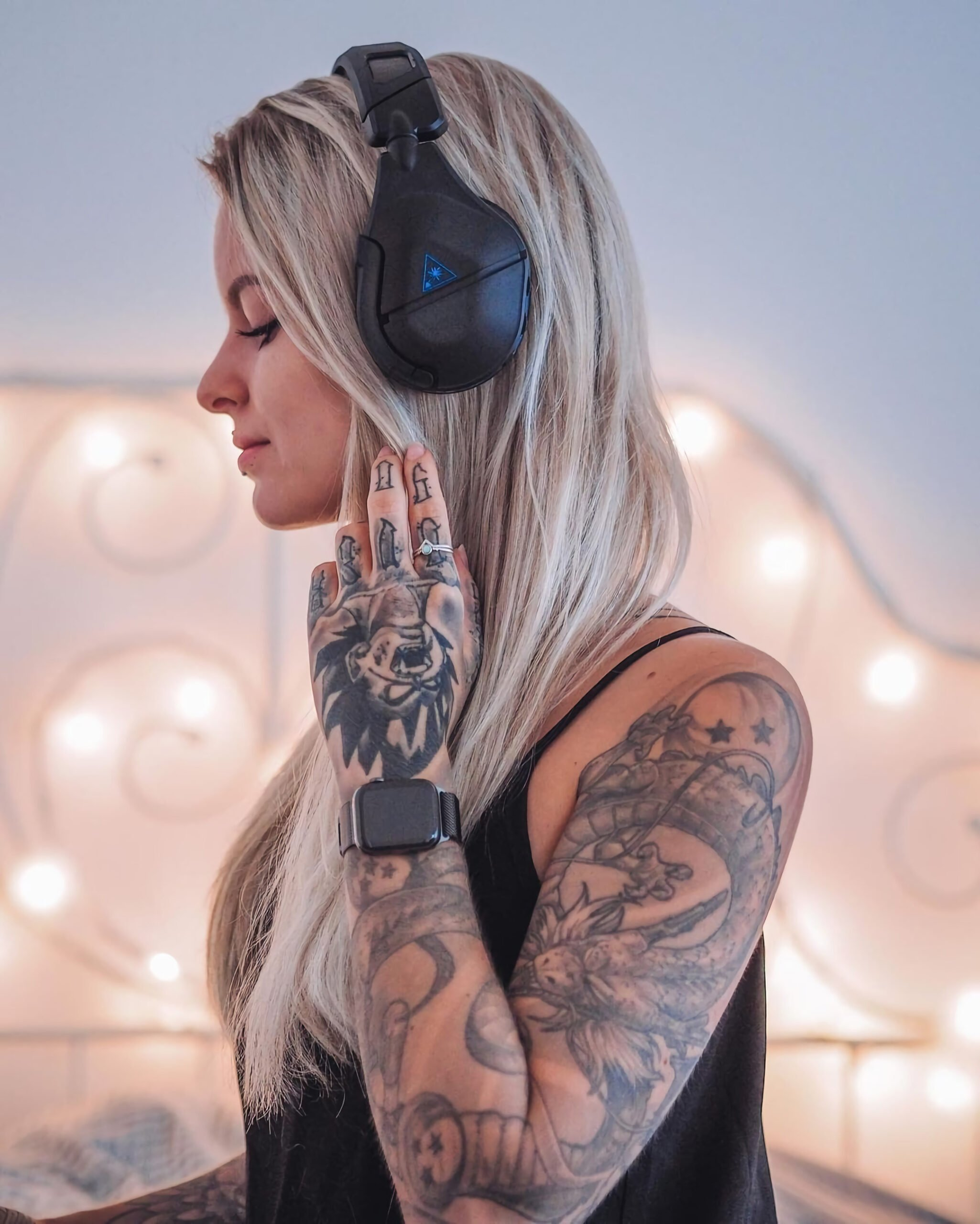 татуировка на пальцах для девушек
