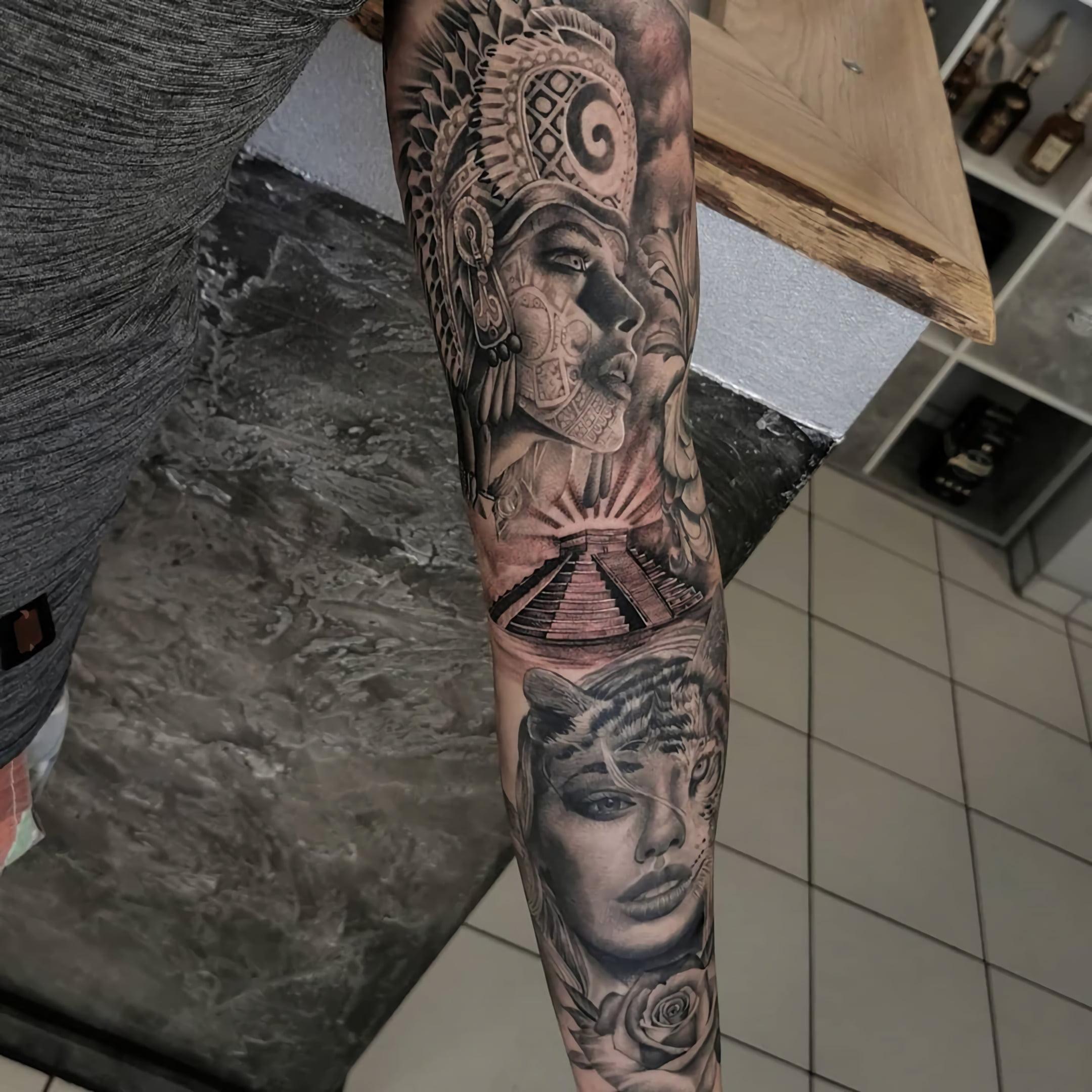 Татуировки в стиле Майя и Ацтеков
