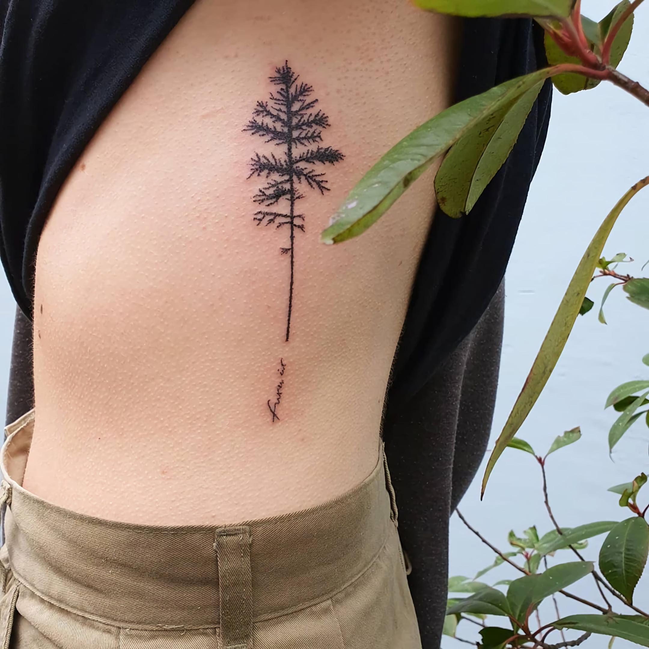 простая татуировка на ребрах для девушек