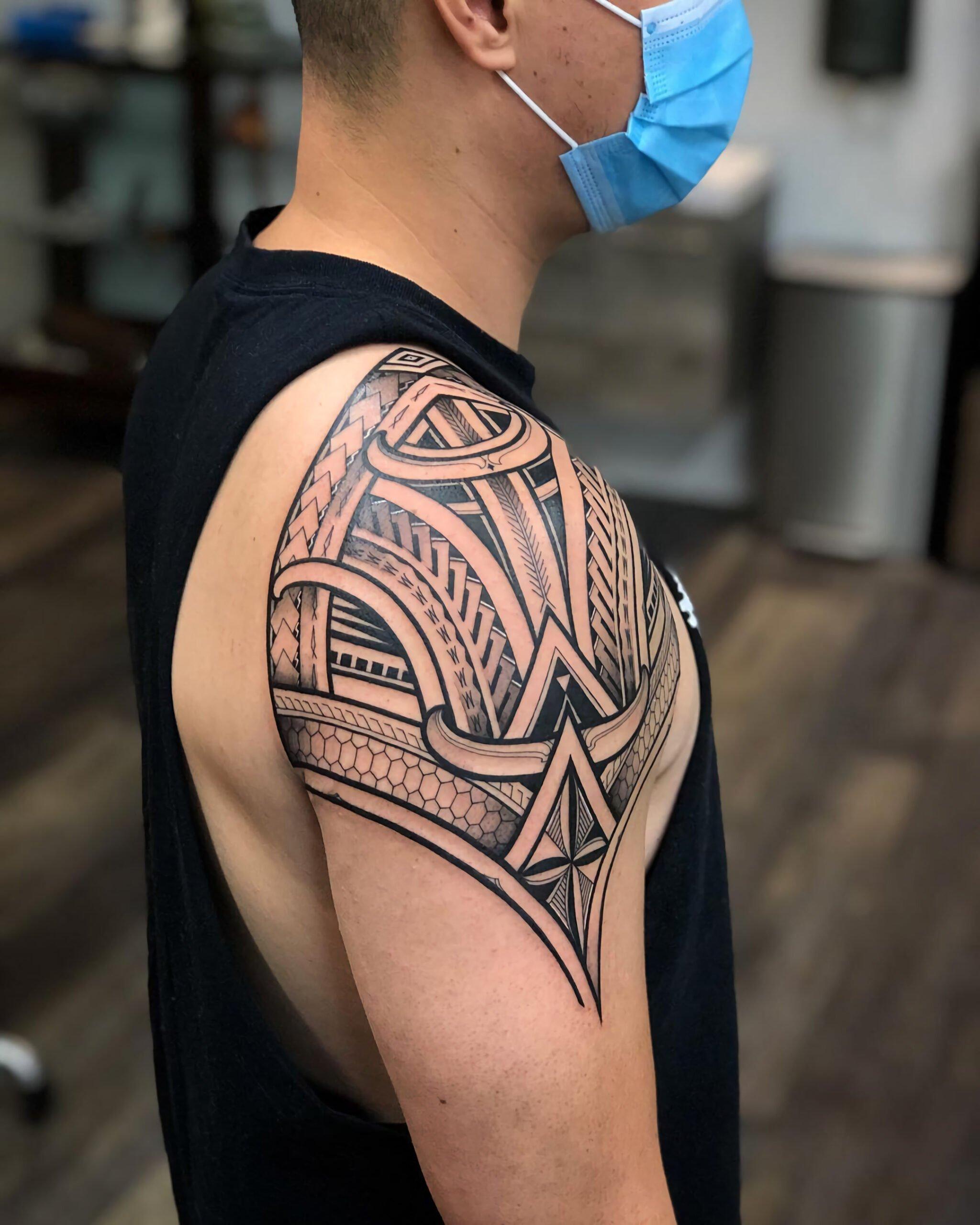Татуировки в племенном стиле