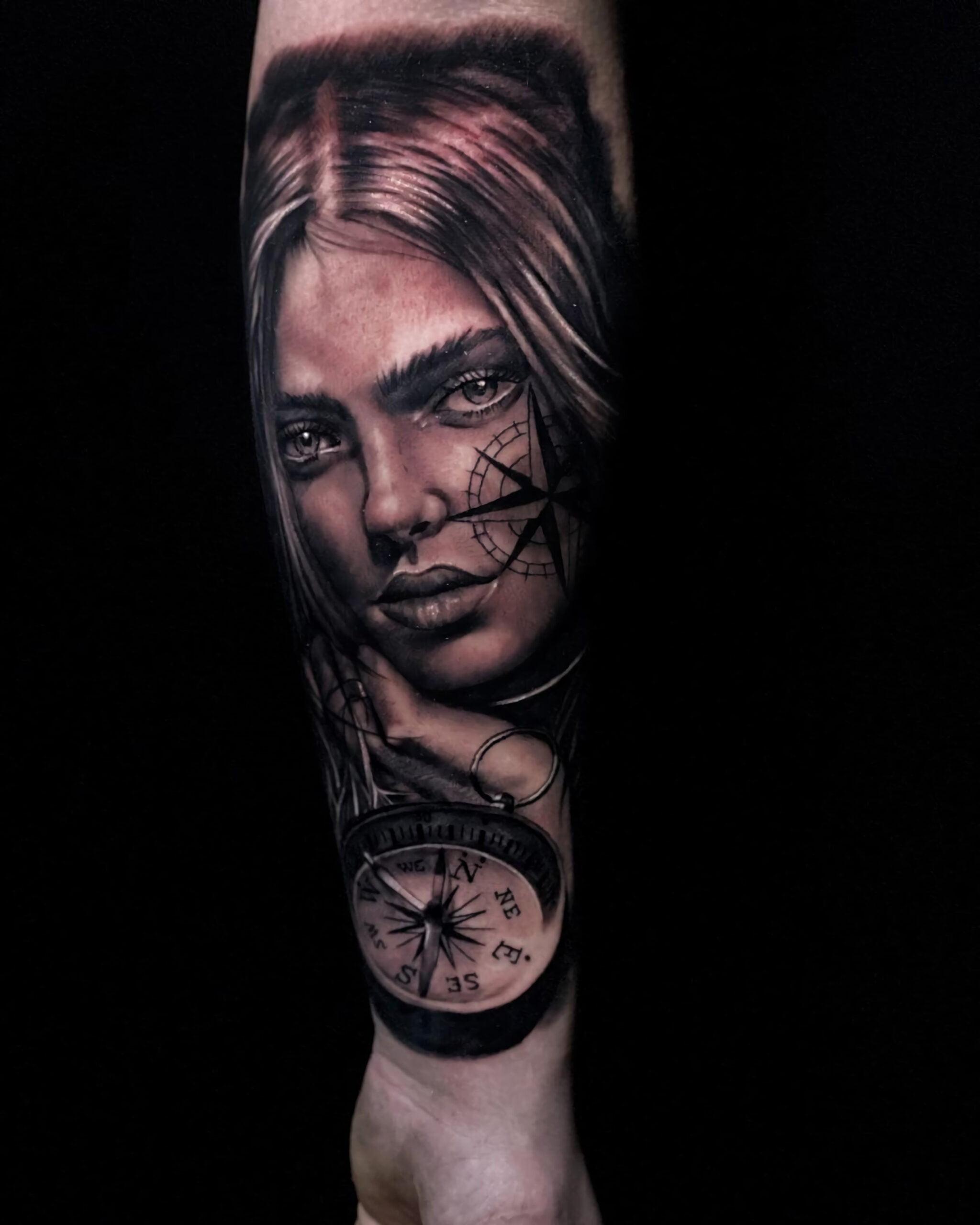 портретная татуировка